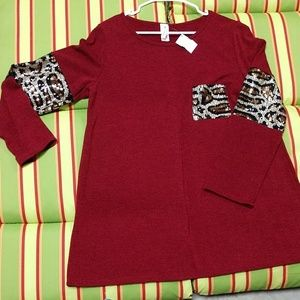 Red/leopard top